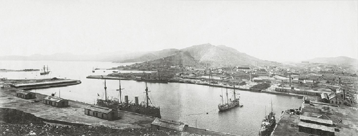 Вид на Восточный бассейн Порт-Артура