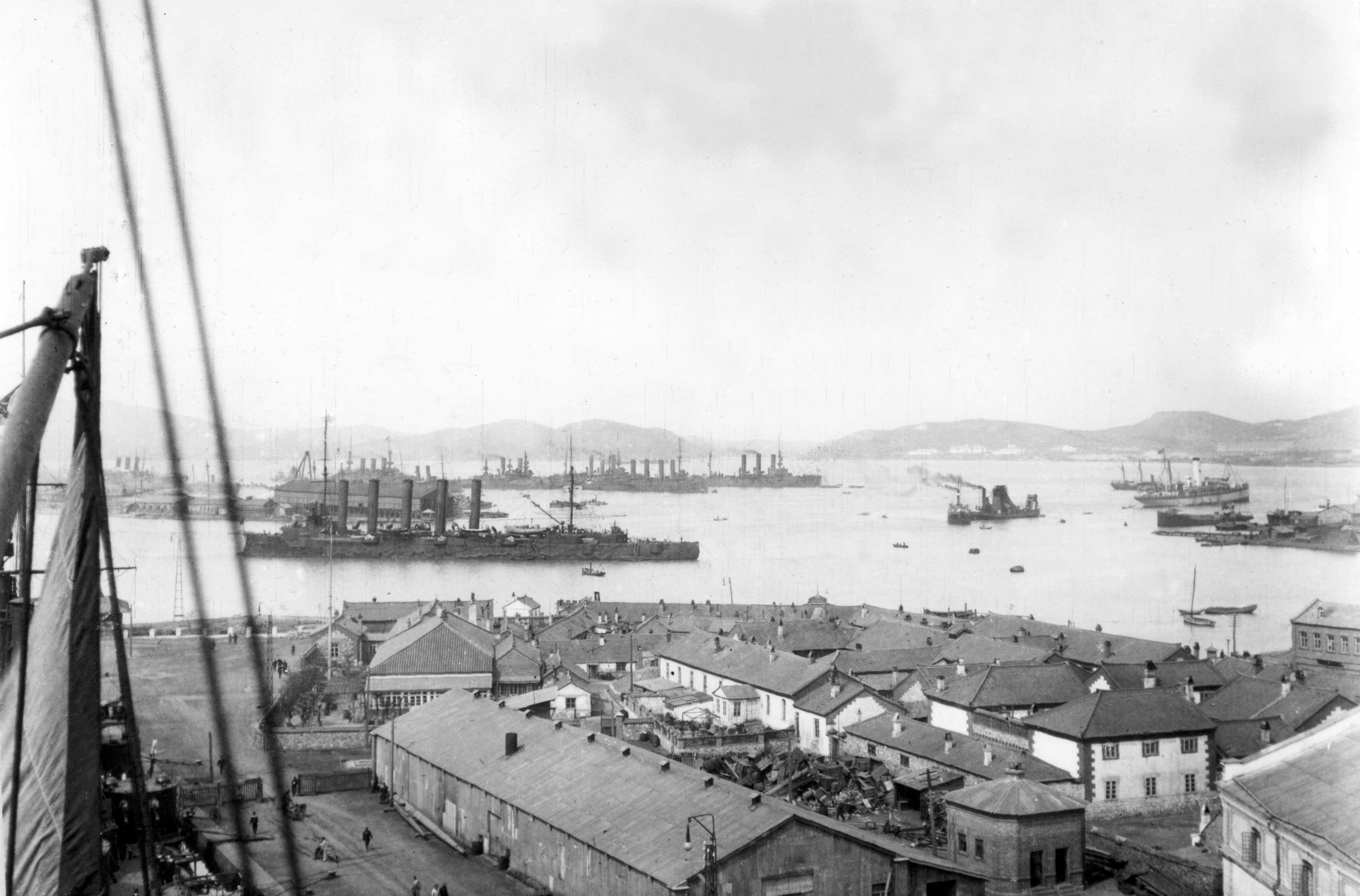 Тихоокеанская эскадра на рейде Порт-Артура