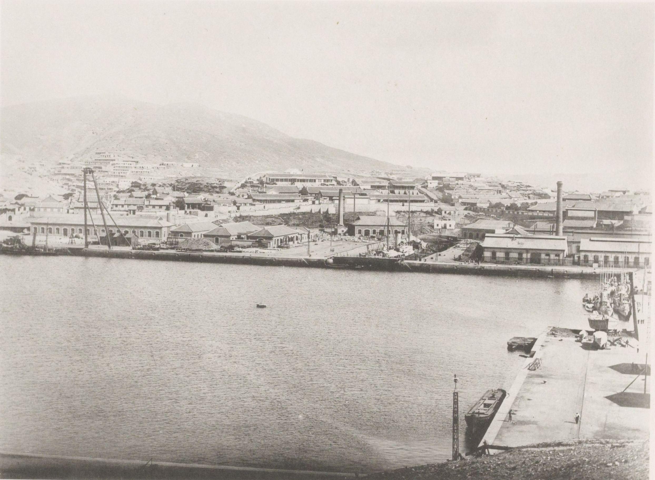 Вид города с Желтого моря