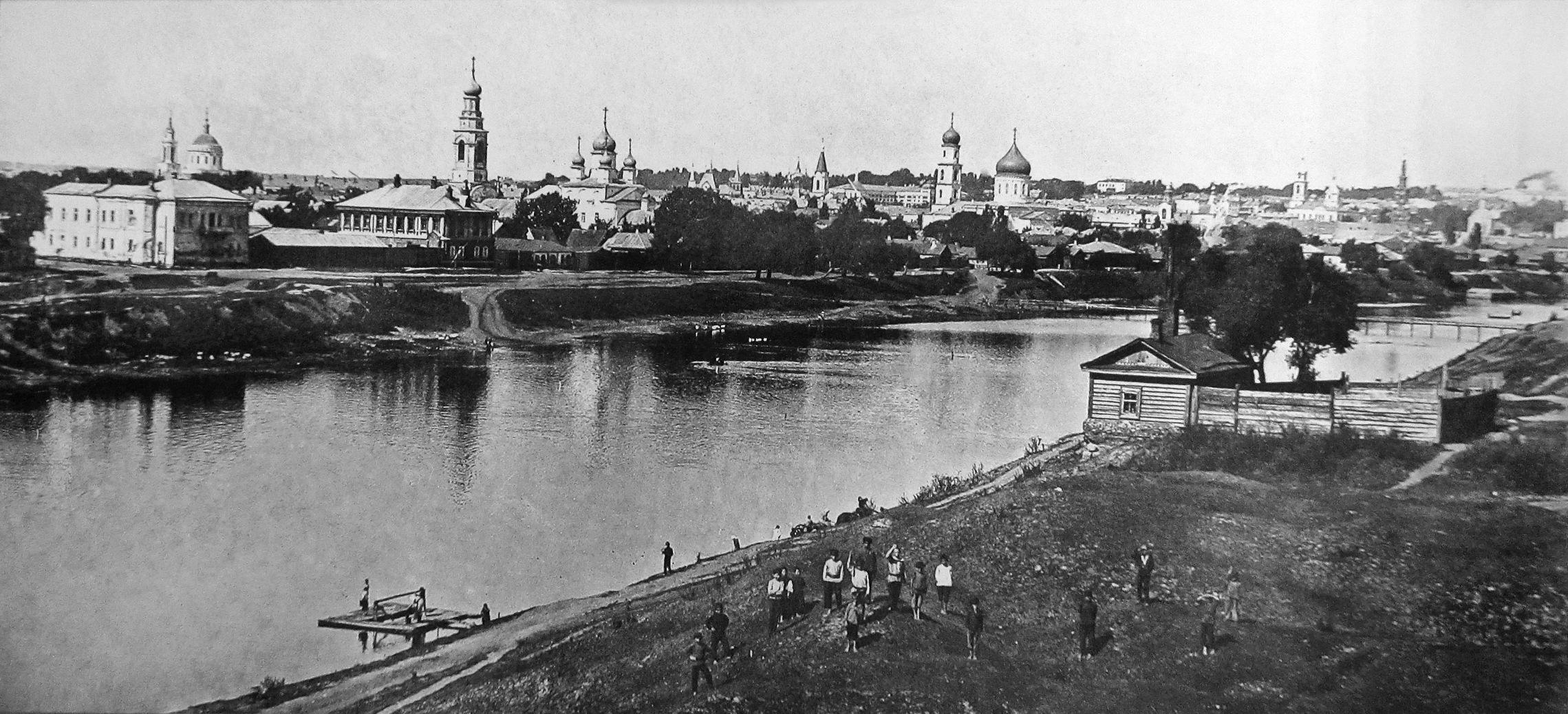 Вид на город с правого берега Оки
