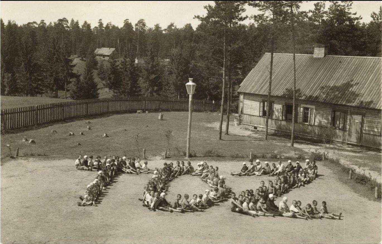1915. Комитет по охране здоровья (TOZ) Детский лагерь в районе Антоколь