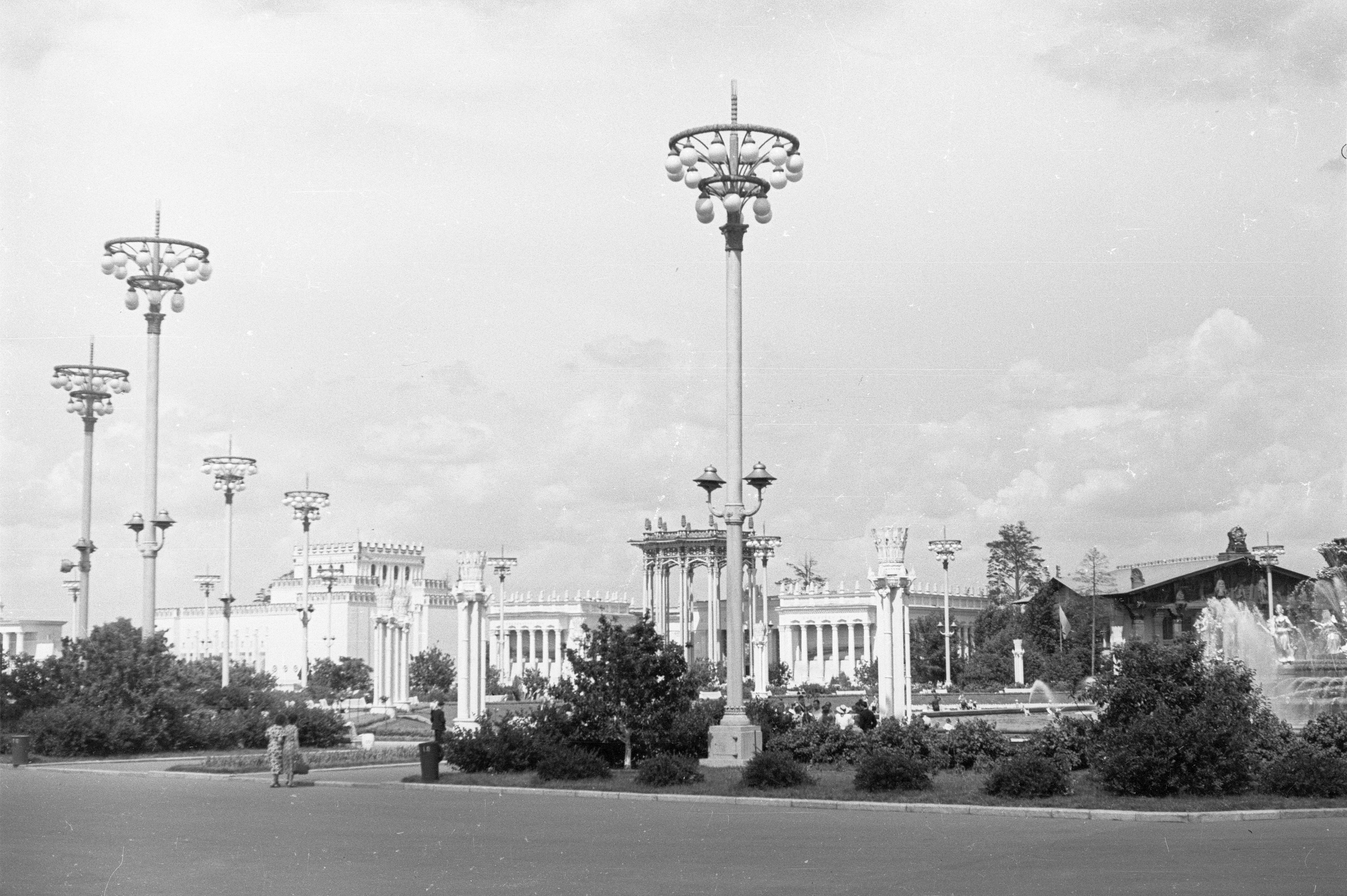 Площадь колхозов ВСХВ