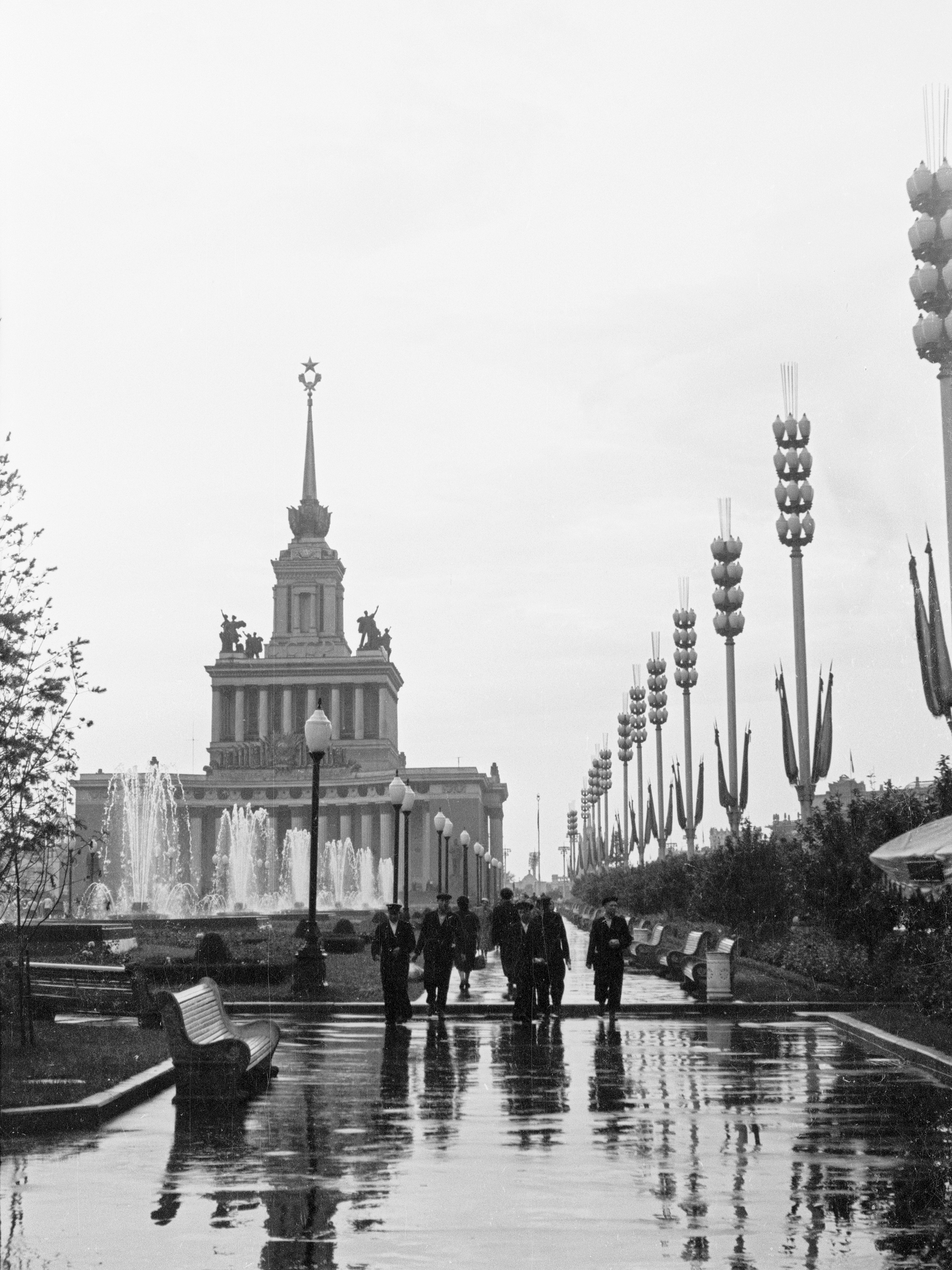 ВСХВ после дождя