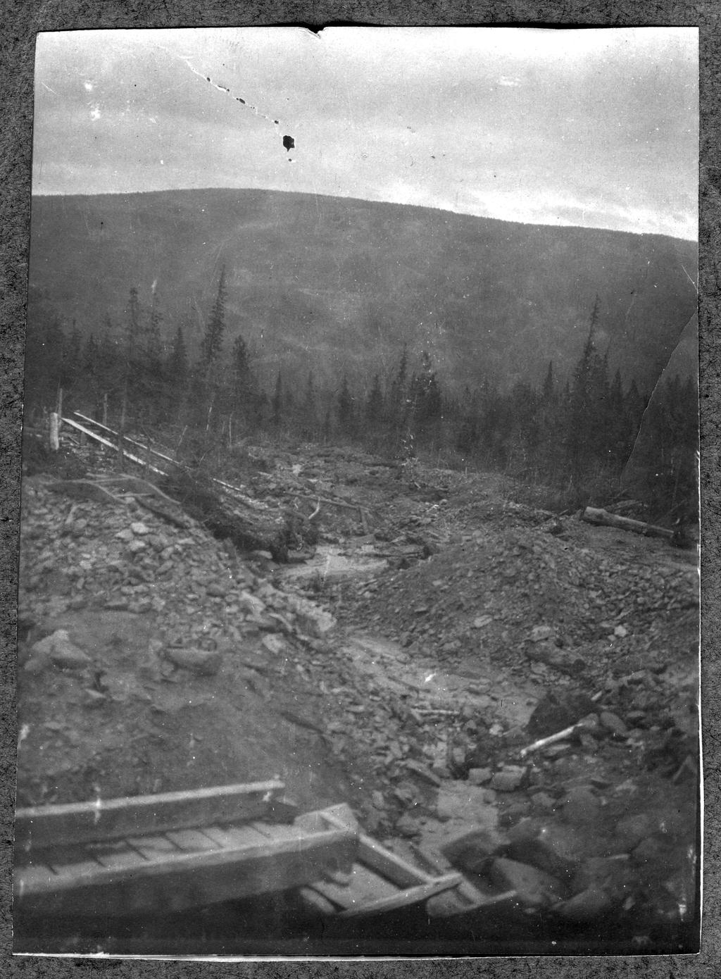 Платиновый прииск на склоне горы Косьвинский Камень на Урале