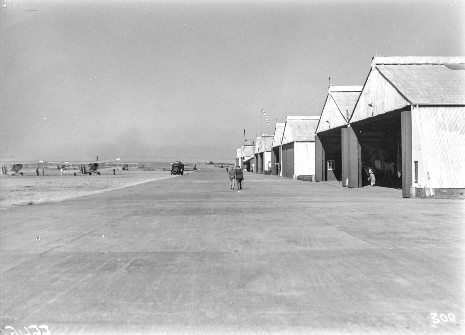 Южно-Африканский Союз. Претория.  Аэродром с ангарами