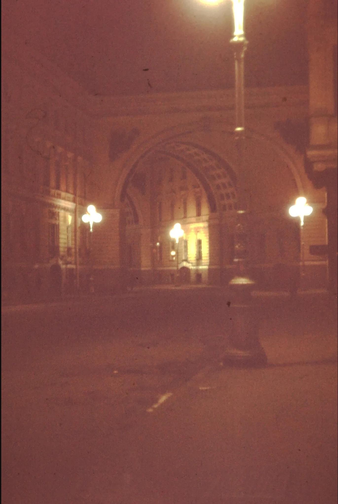 25. Триумфальная арка возле Зимнего дворца