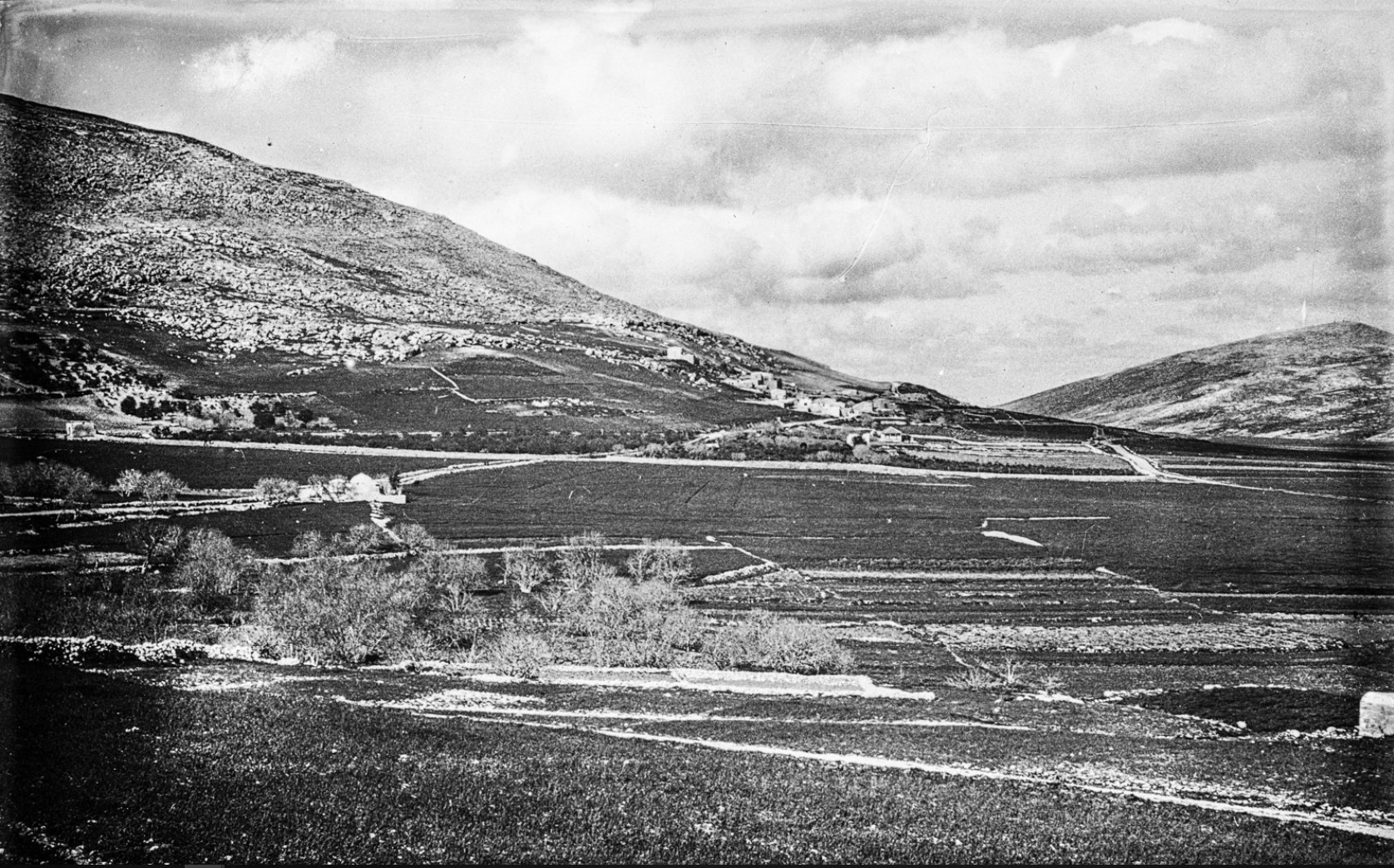 Вид  схолма на равнину между Шхемом и Иерусалимом