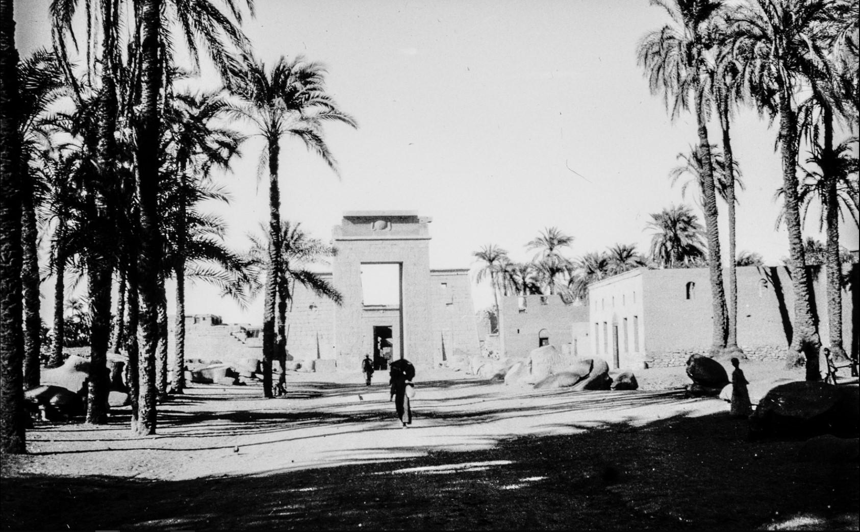 Карнак. Вход в храмовый комплекс