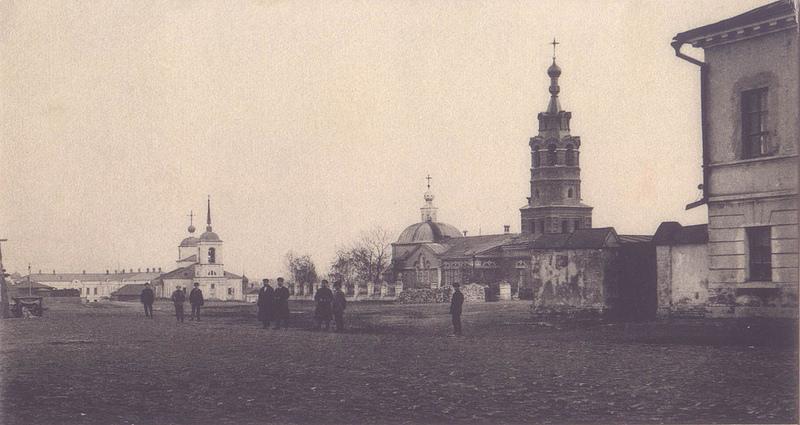 Базарная площадь. Церковь Дмитрия Солунского