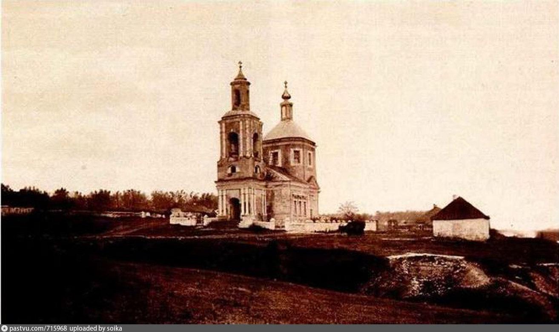 Окрестности Данкова. Село Спешнево-Ивановское Знаменская церковь