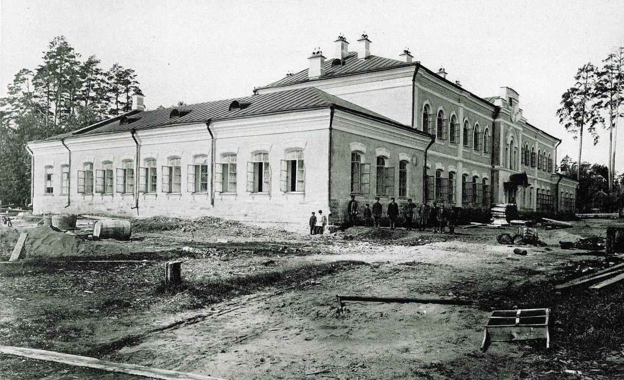 Ремесленная школа им. М.К. Тенишевой.