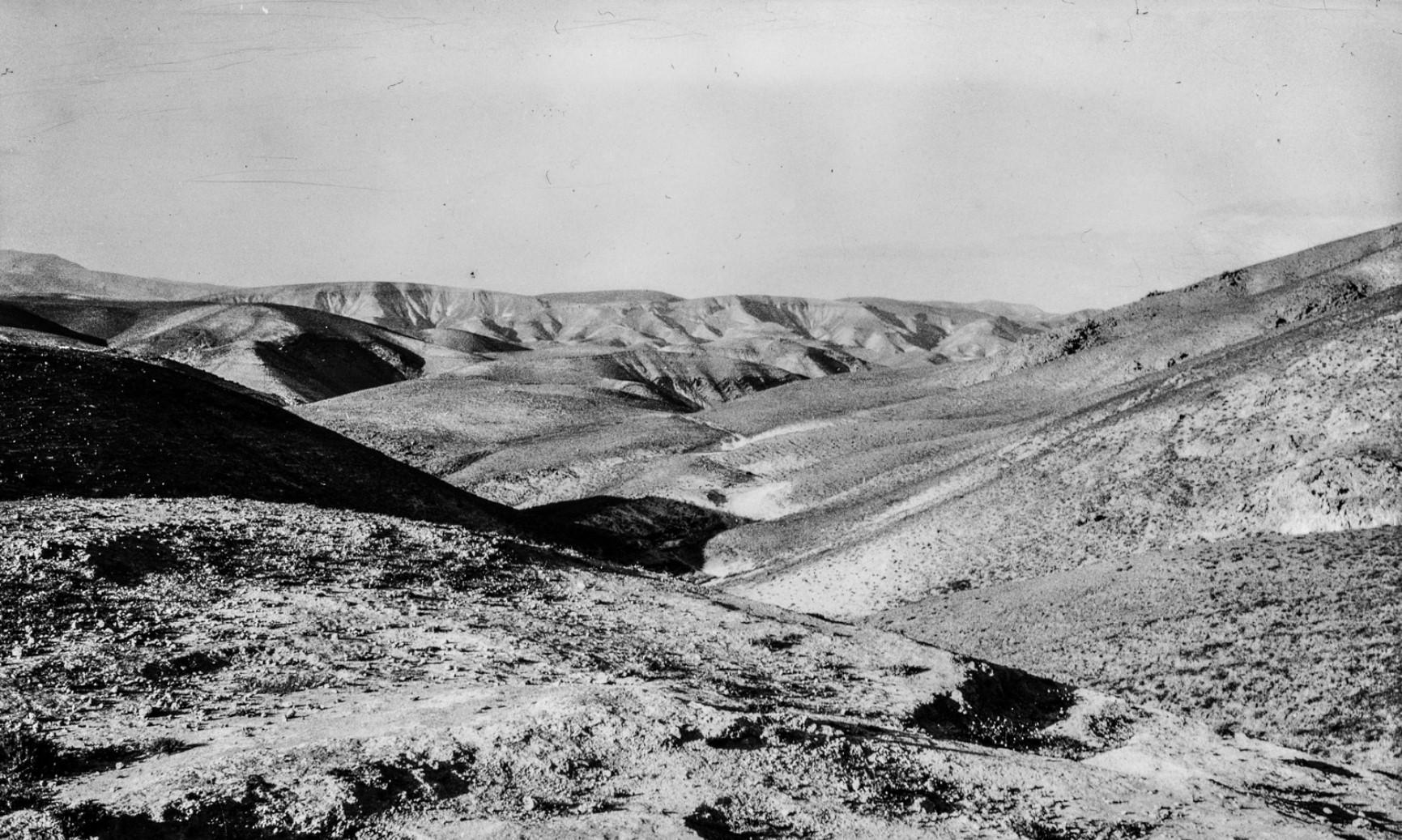 Вид Иудейской пустыни между Иерусалимом и Мертвым морем на Пасху 1929