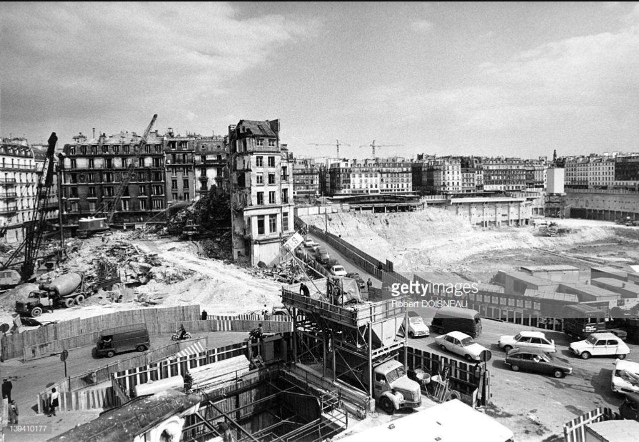1974. Строительство подземного коммерческого центра «Форум-де-Аль»