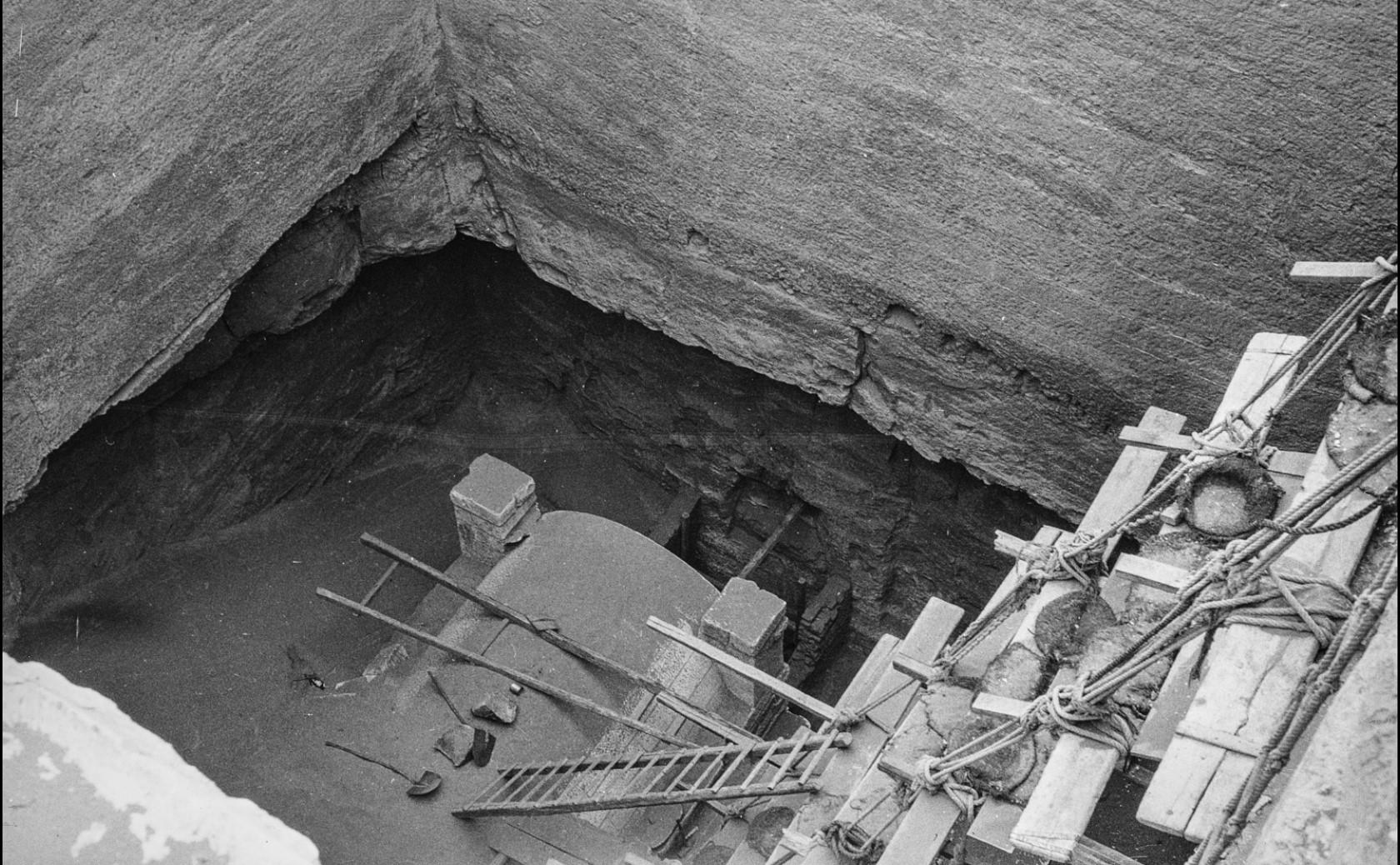 Саккара. Спуск к могиле в комплексе пирамиды Джосера