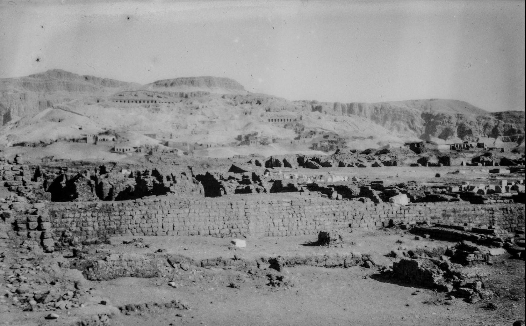 Фивы. Вид из Рамессеума
