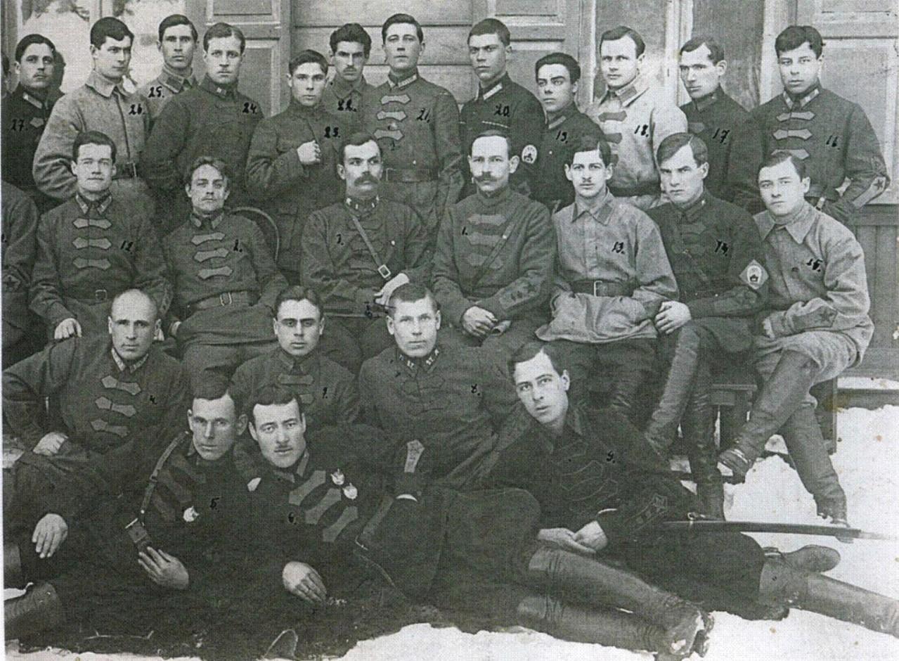 Командование и слушатели Высшей кавалерийской школы
