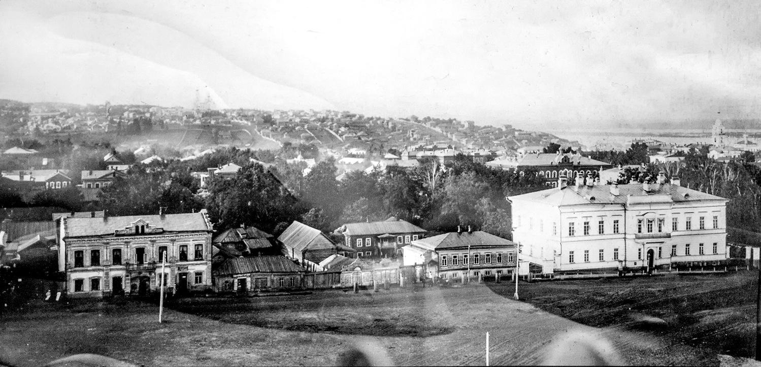 Вид города с колокольни Троицкой церкви