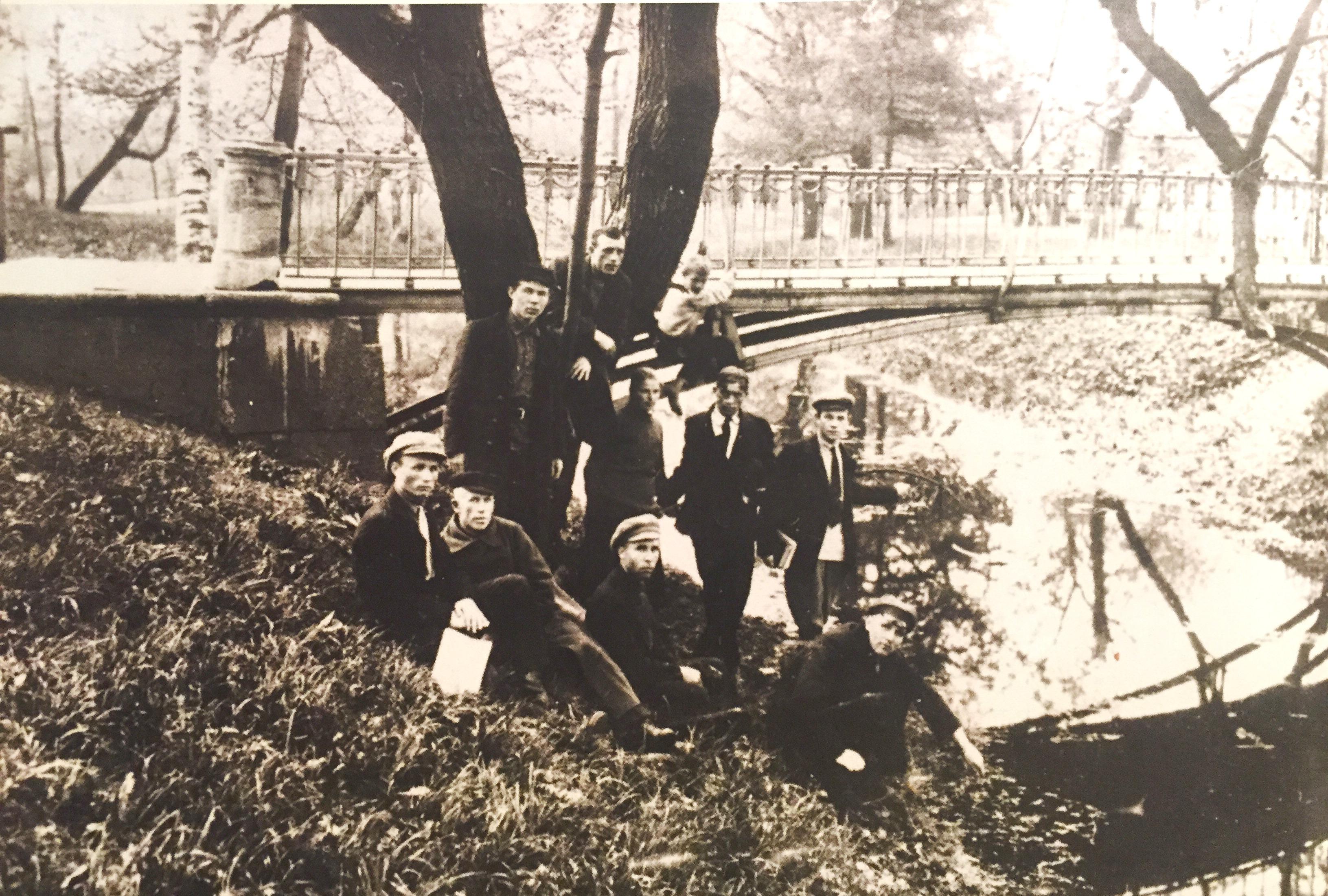 Мостик через канал в Лопухинском саду