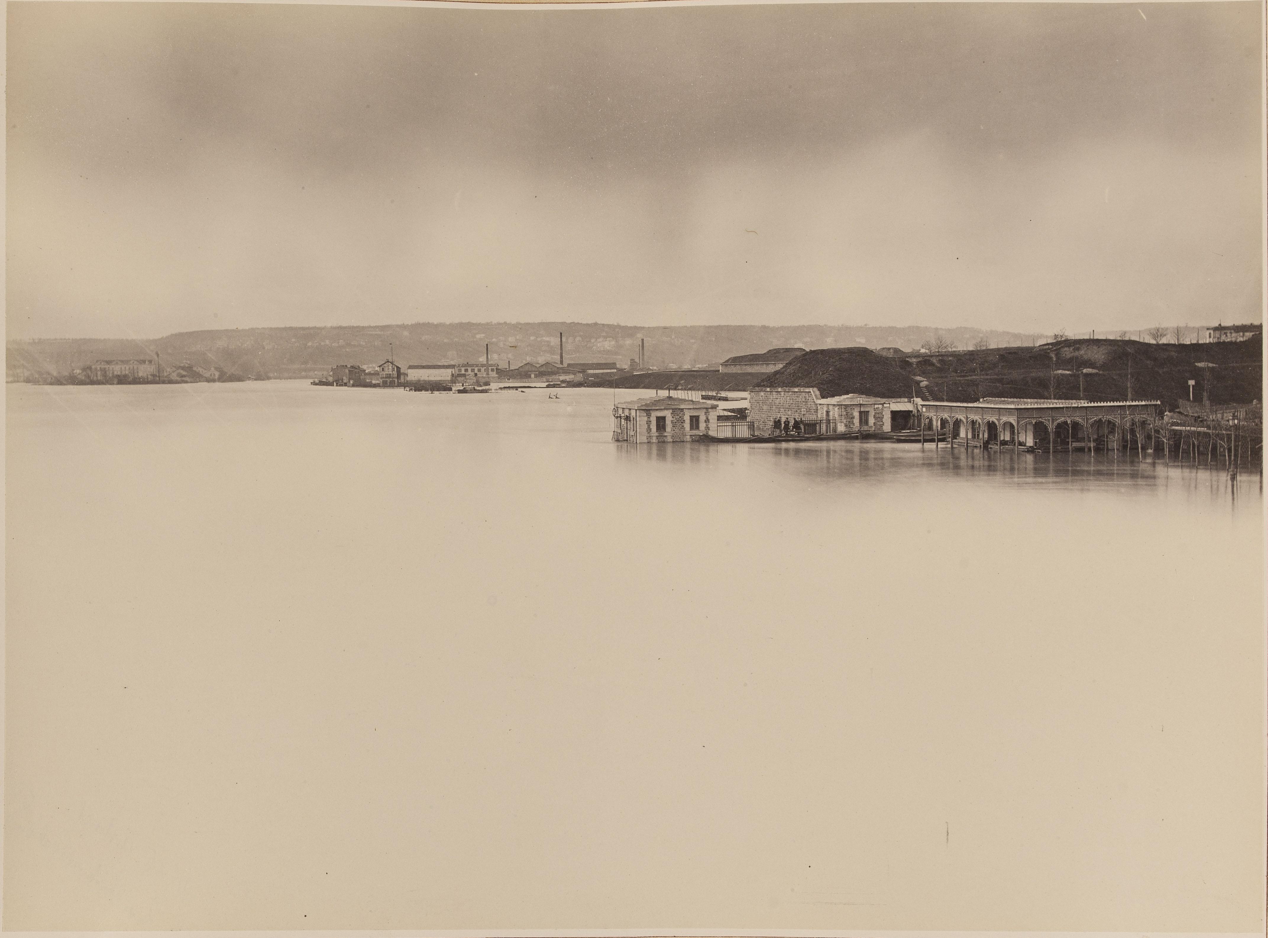 25. Отёй (правый берег ниже по течению от моста)