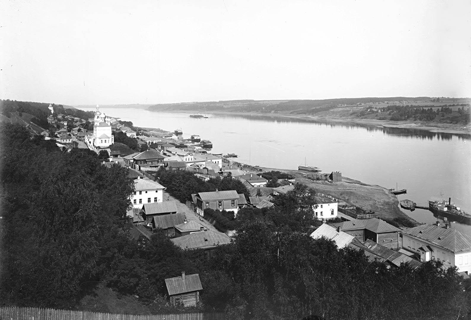 Общий вид города Плёса и реки Волги