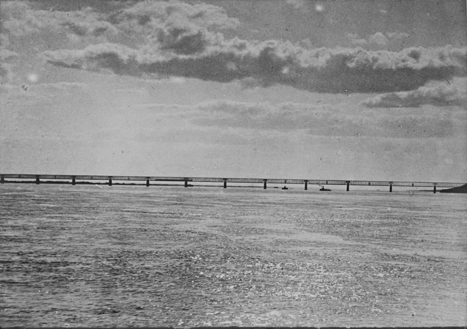 Симбирская губерния. Окрестности Сызрани. Мост через Волгу