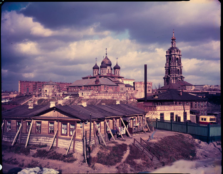 Крутицкий холм. Вид на Новоспасский монастырь — в то время хозчасть НКВД