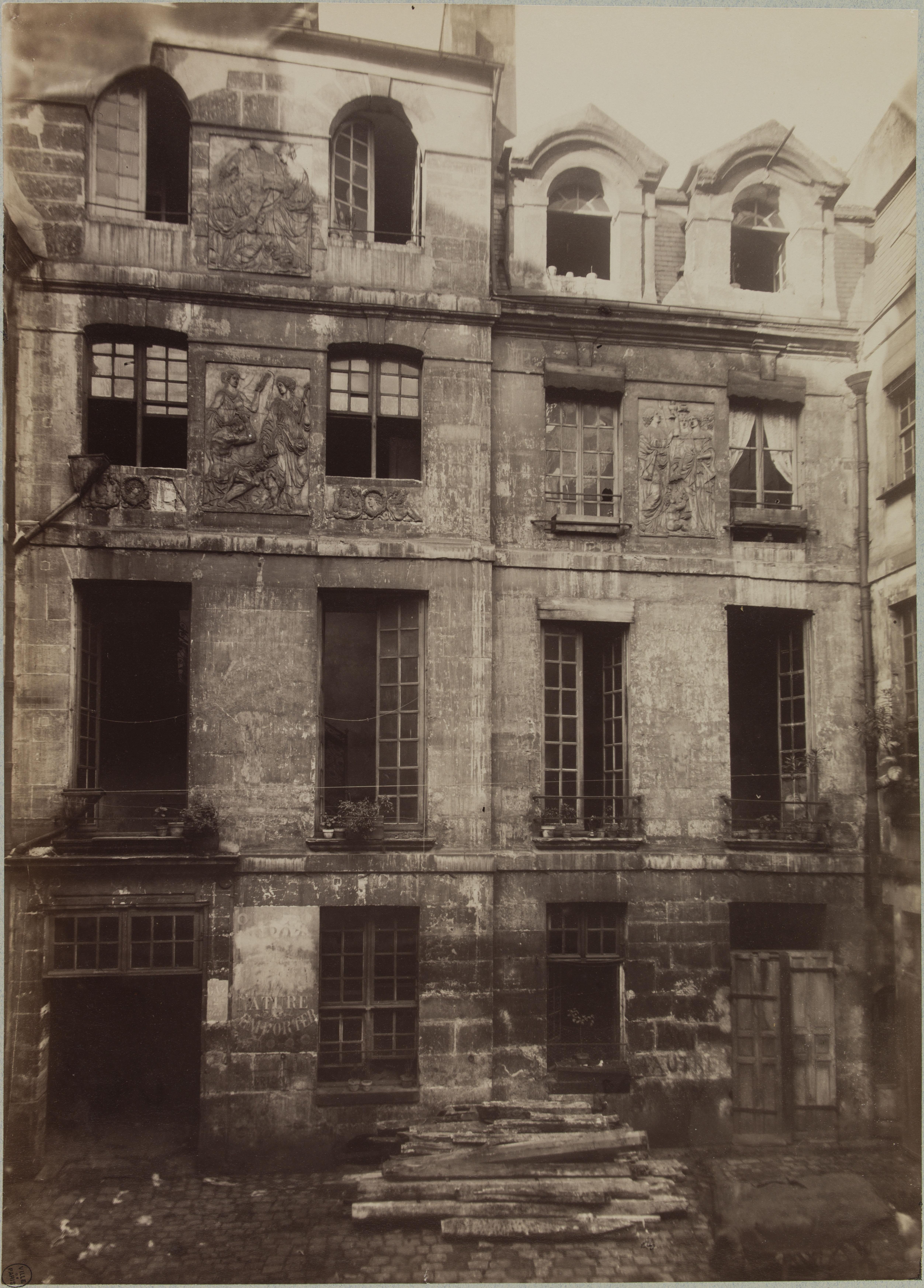 04.  Отель Кольбер