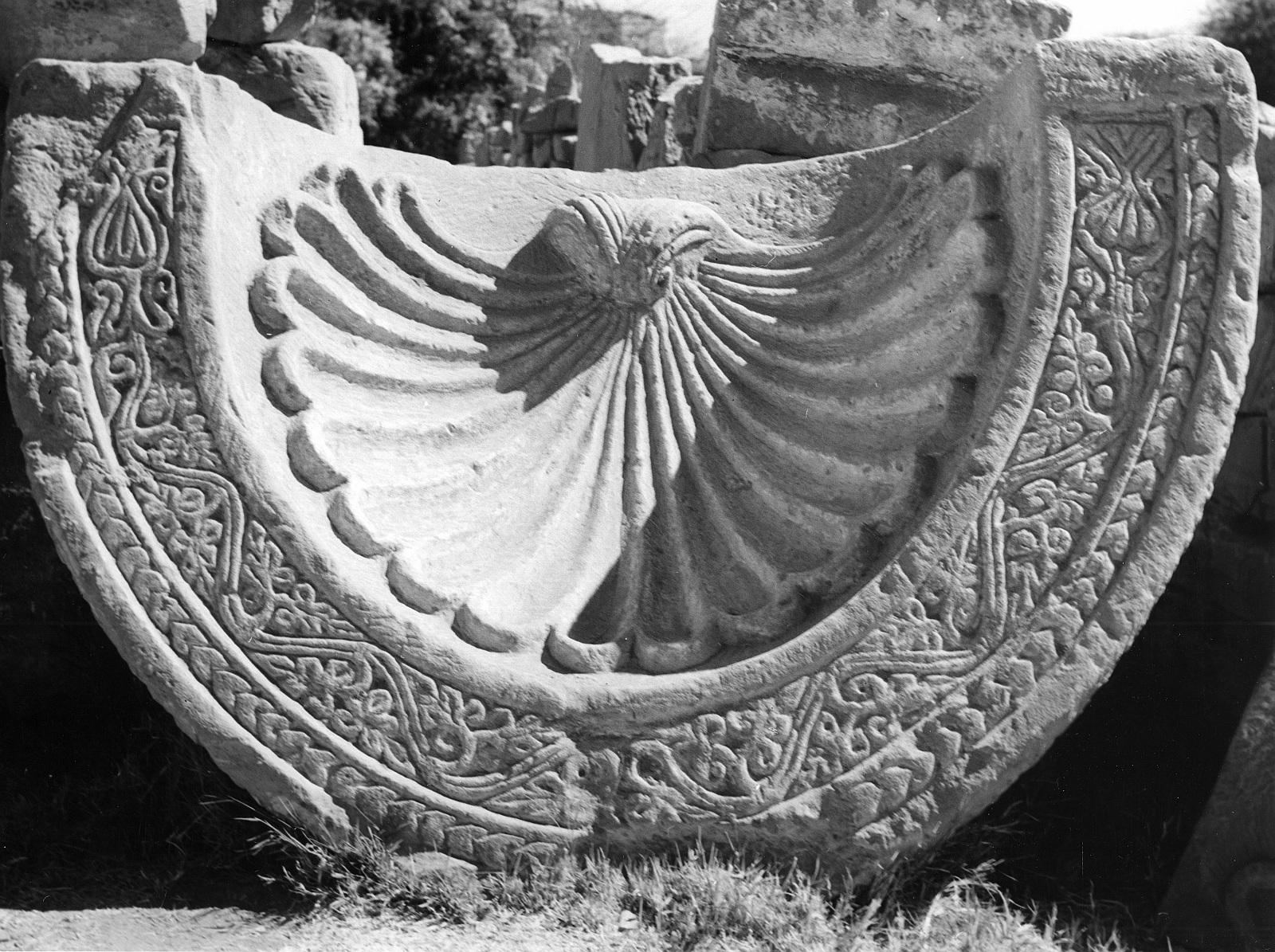Луксор. Оконная арка коптского периода