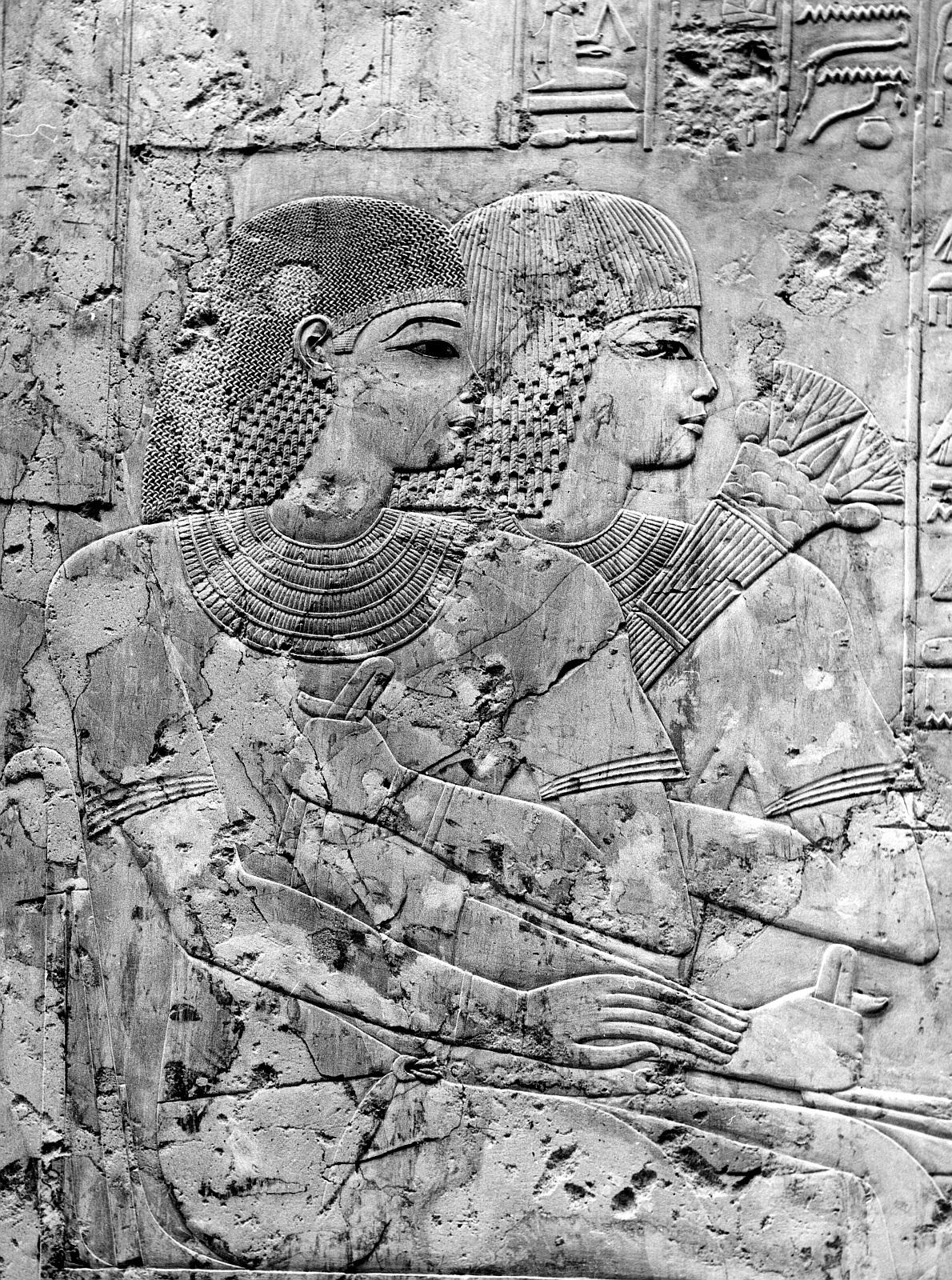 Шейх Абд эль-Гурна.  Гробница Рамоза (№ 55). Большой колонный зал. Детали рельефа на восточной стене