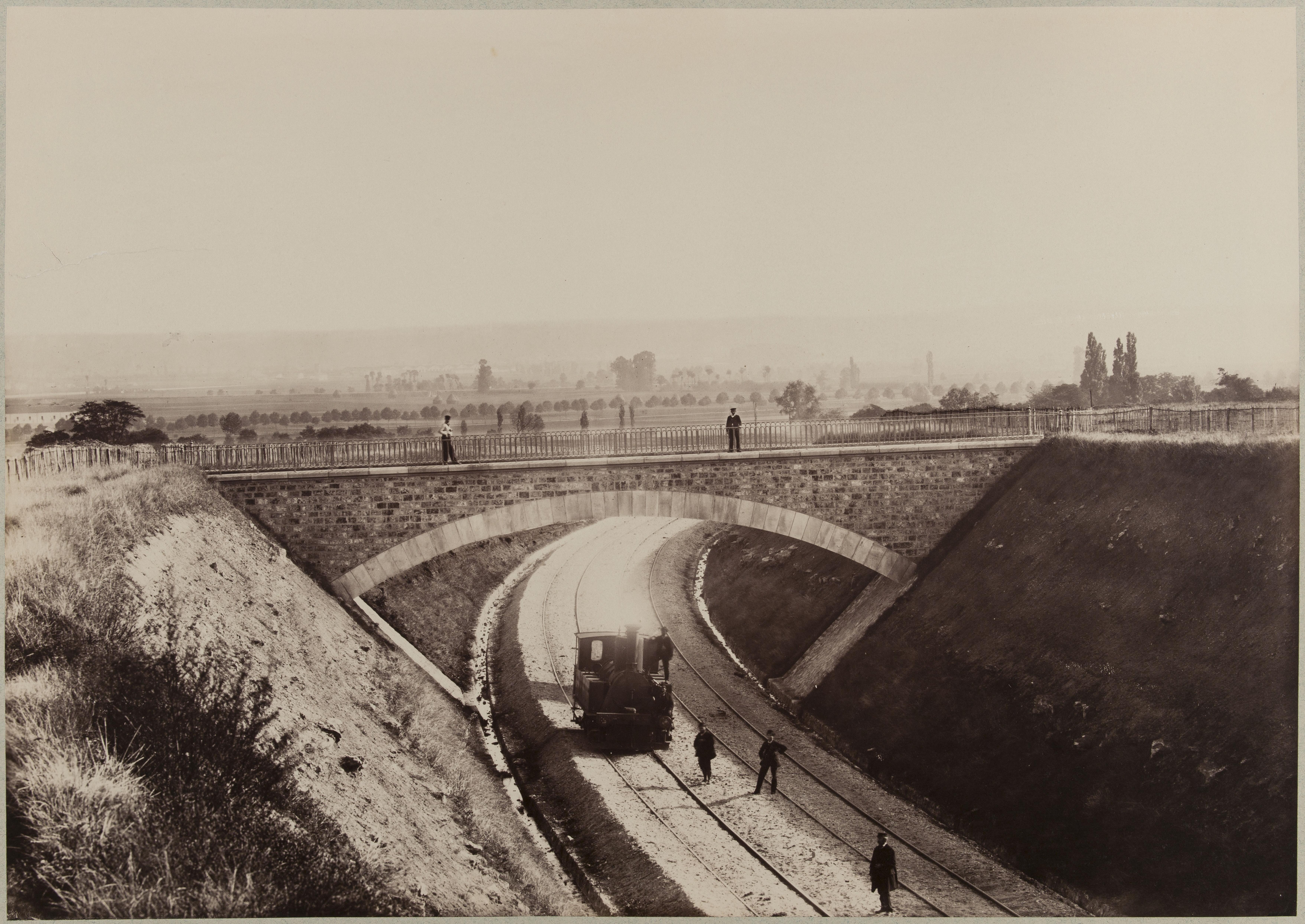 Нижний путепровод между Виссу и Монжан