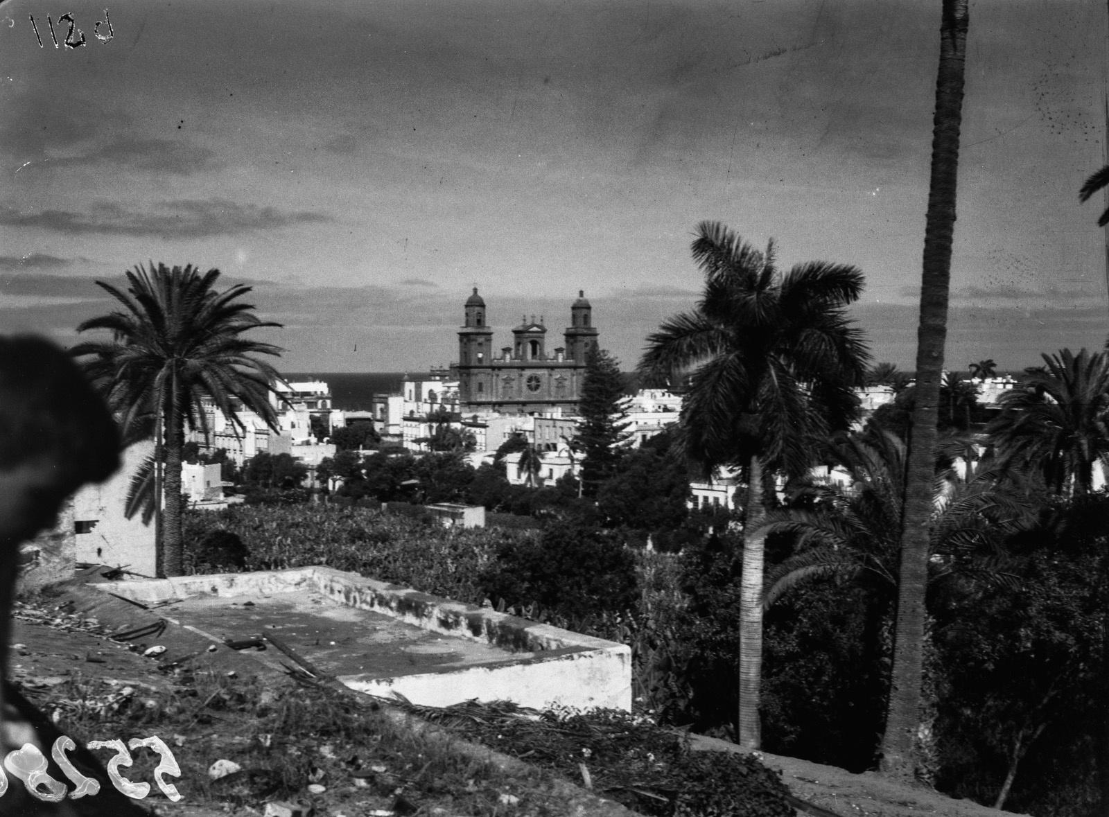 Канары. Лас-Пальмос. Вид на город