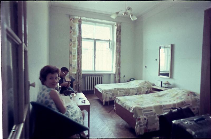 Волгоград. В номере гостиницы