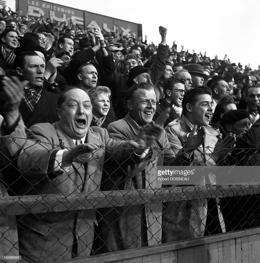 1949. Толпа на стадионе. Ноябрь, франция