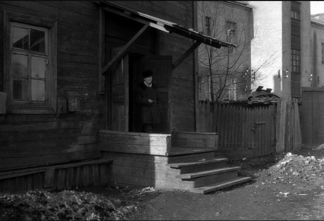 1968. Во дворе музея Дома Волконского