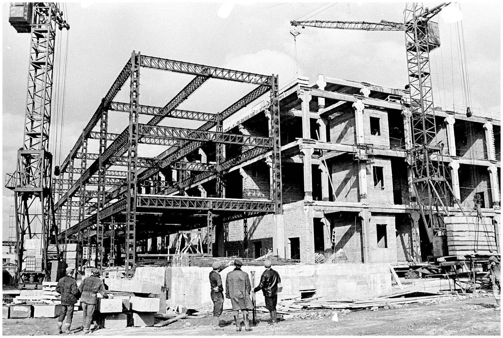 1970-е. Строительство Торгового комплекса