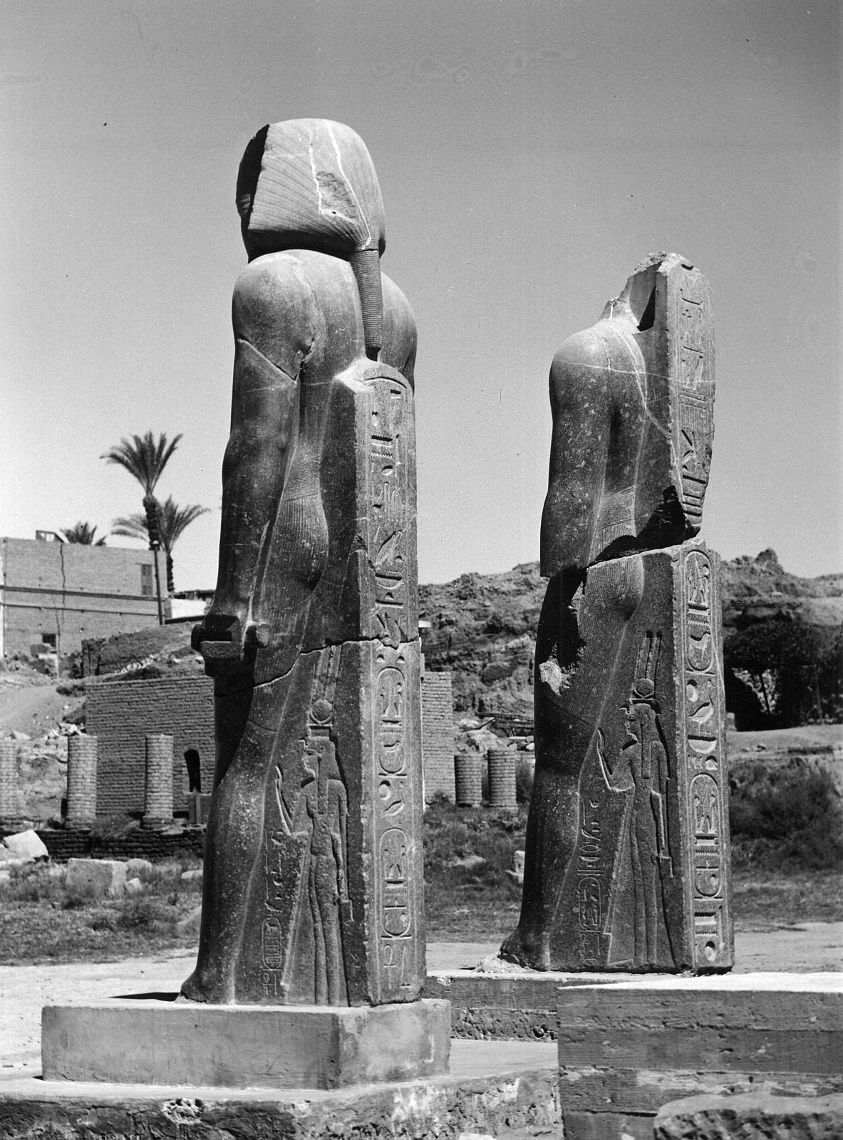 Луксор. Статуя Меренпты, сына Рамзеса II