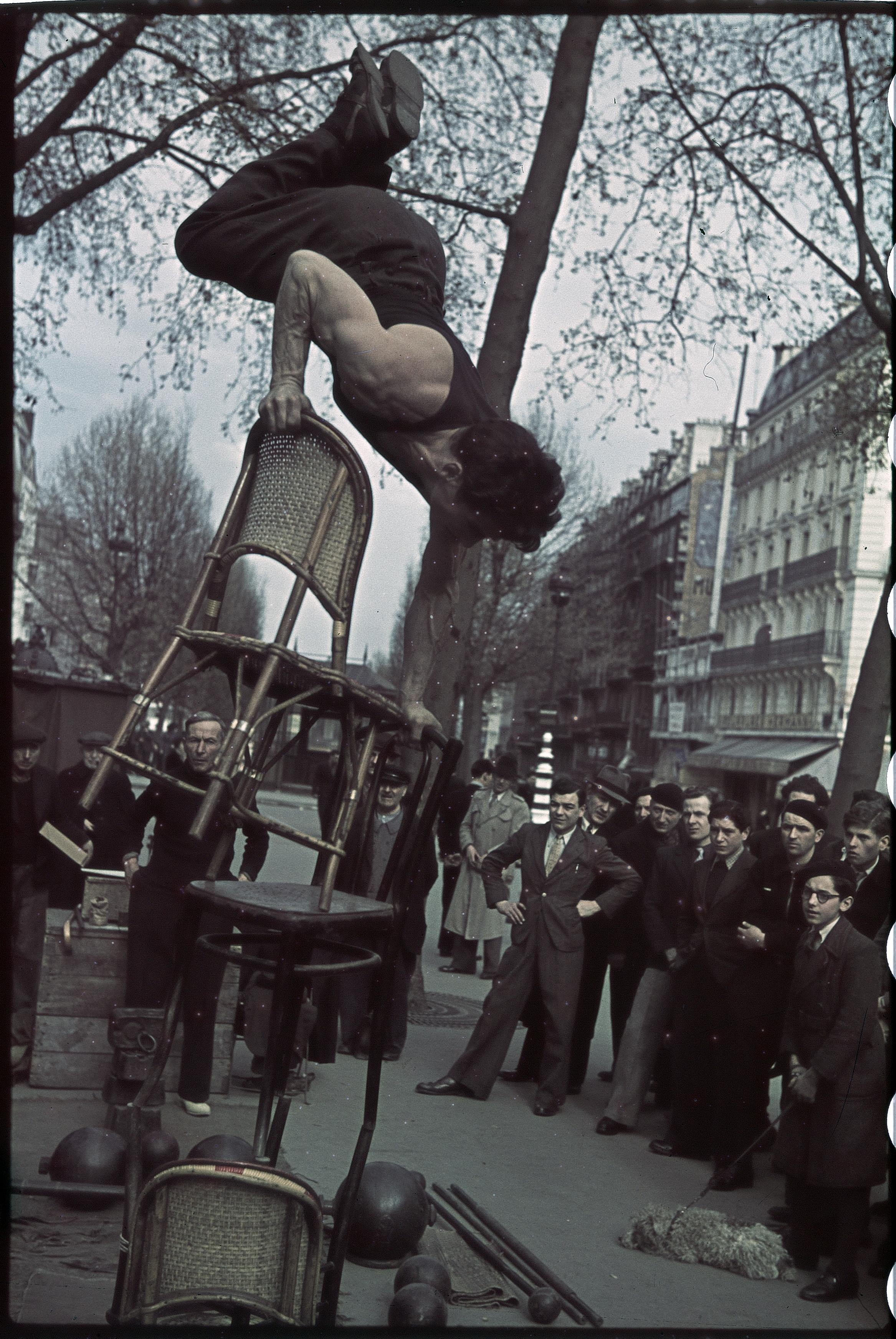 Эквилибрист на площади Антверпен