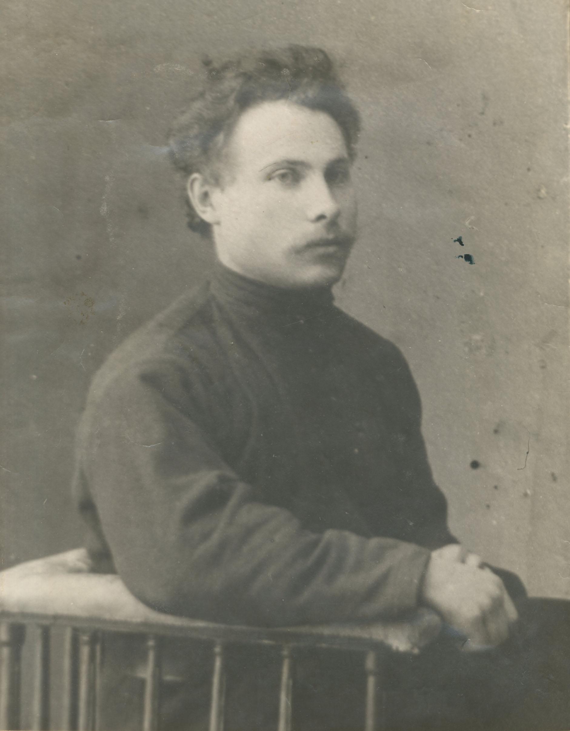 Дмитриев Разумник Николаевич (ум. 1926 г.), активный участник революции 1905 г. в Самаре, меньшевик