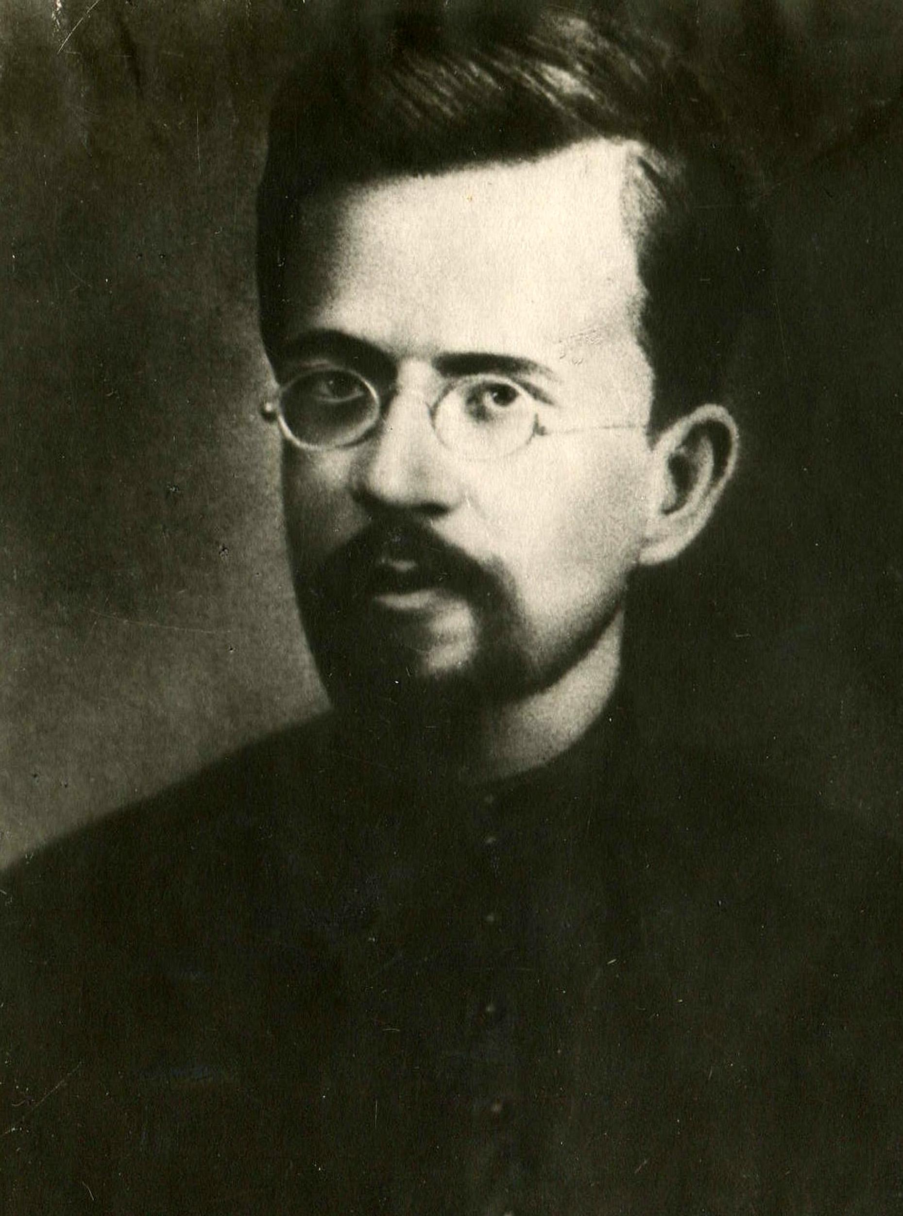 Лалаянц Исаак Христофорович (псевдонимы Колумб, Изаров, Инсаров др.; 24 июля (5 августа) 1870 года, г. Кизляр, Дагестан — 14 июля 1933 года, Москва), марксист
