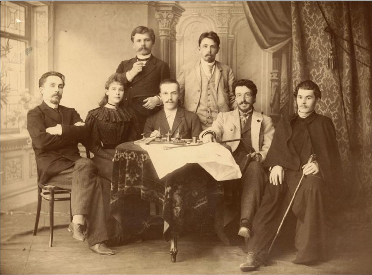М. Горький среди коллег в редакции «Самарская газета». 1895