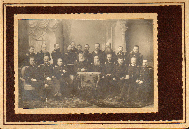 Члены Самарского окружного суда, городские судьи и судебные следователи. 1895