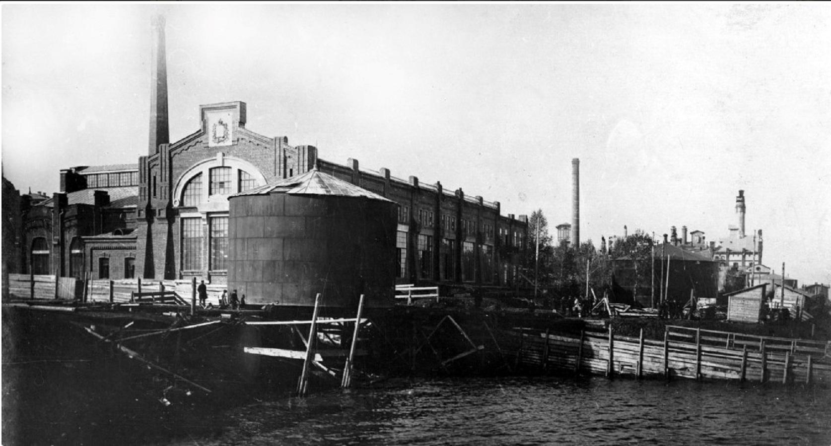 Самарская городская общественная электростанция. Вид со стороны Волги. 1913