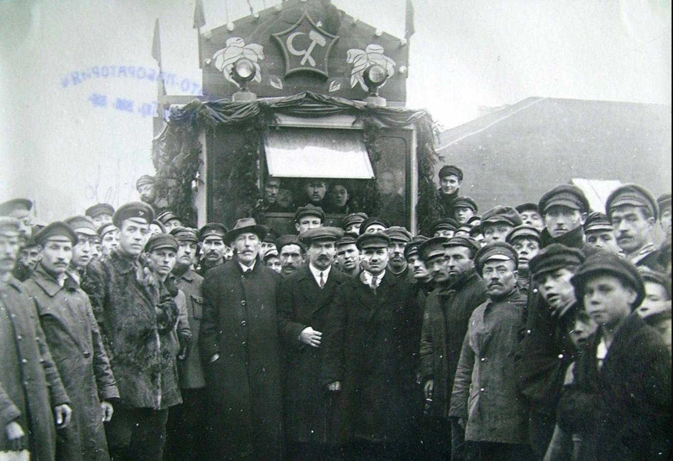 1921. Открытие Невской линии.