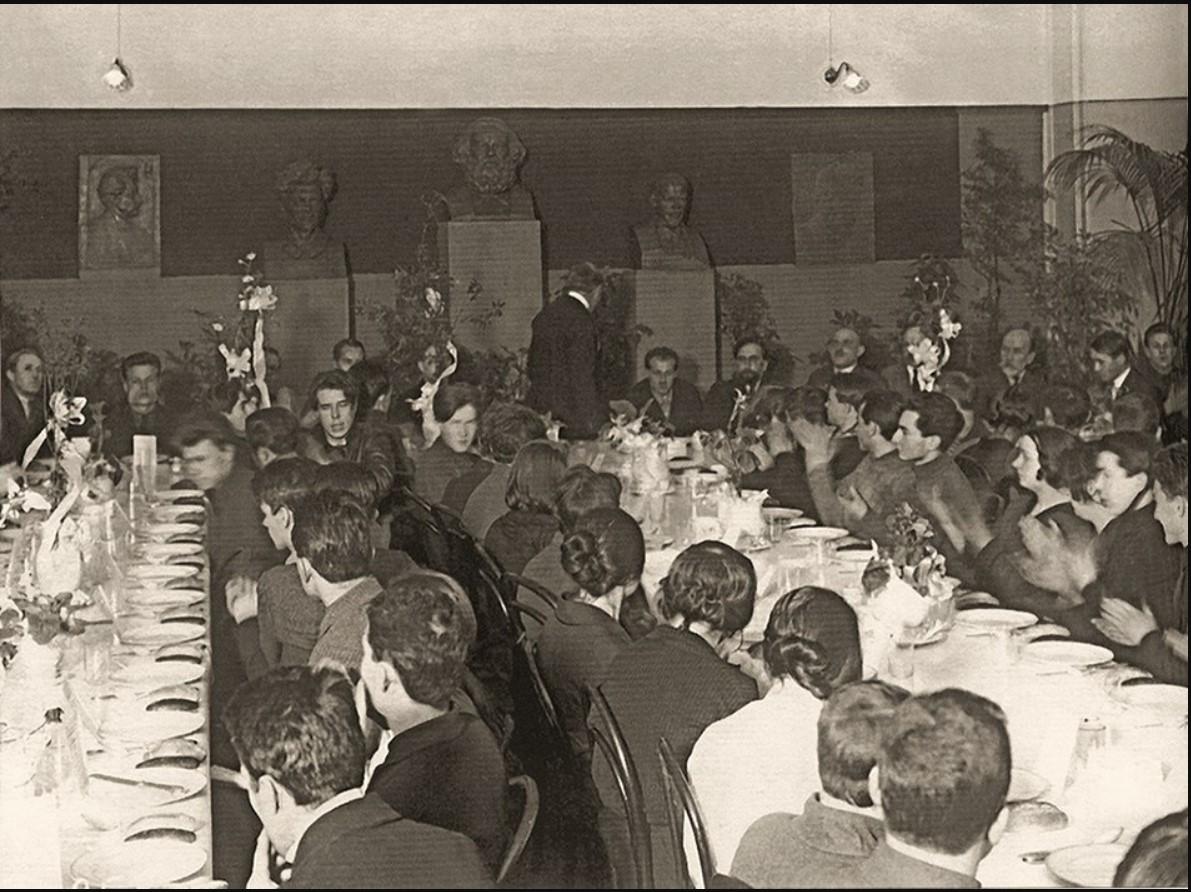 1923. Открытие университетской студенческой столовой