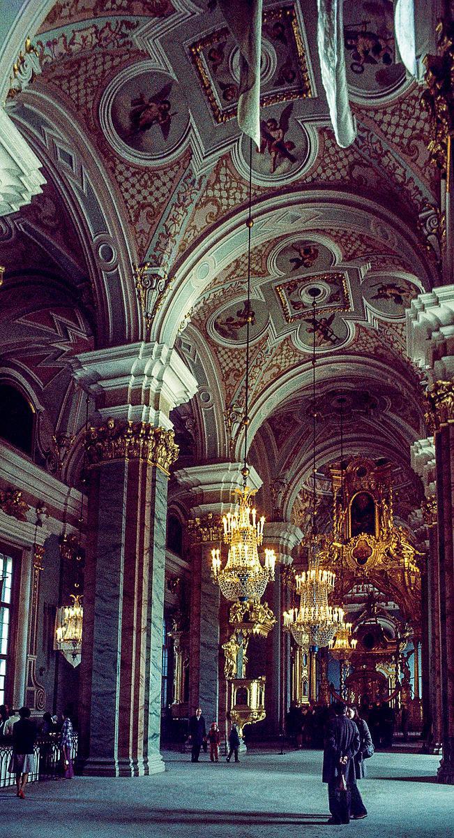Интерьер Исаакиевского собора.