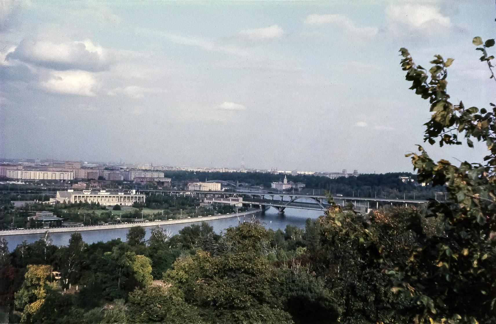 Вид на метромост с Ленинских гор