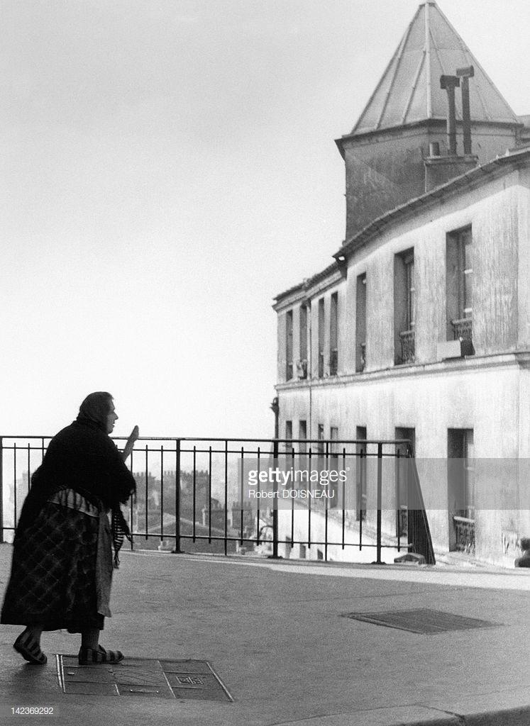 1953. Консьержка в тапочках в Бельвилле, Париж