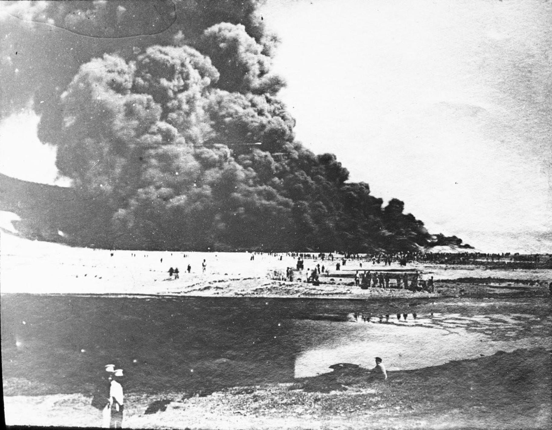 Баку. Пожар на нефтяных разработках