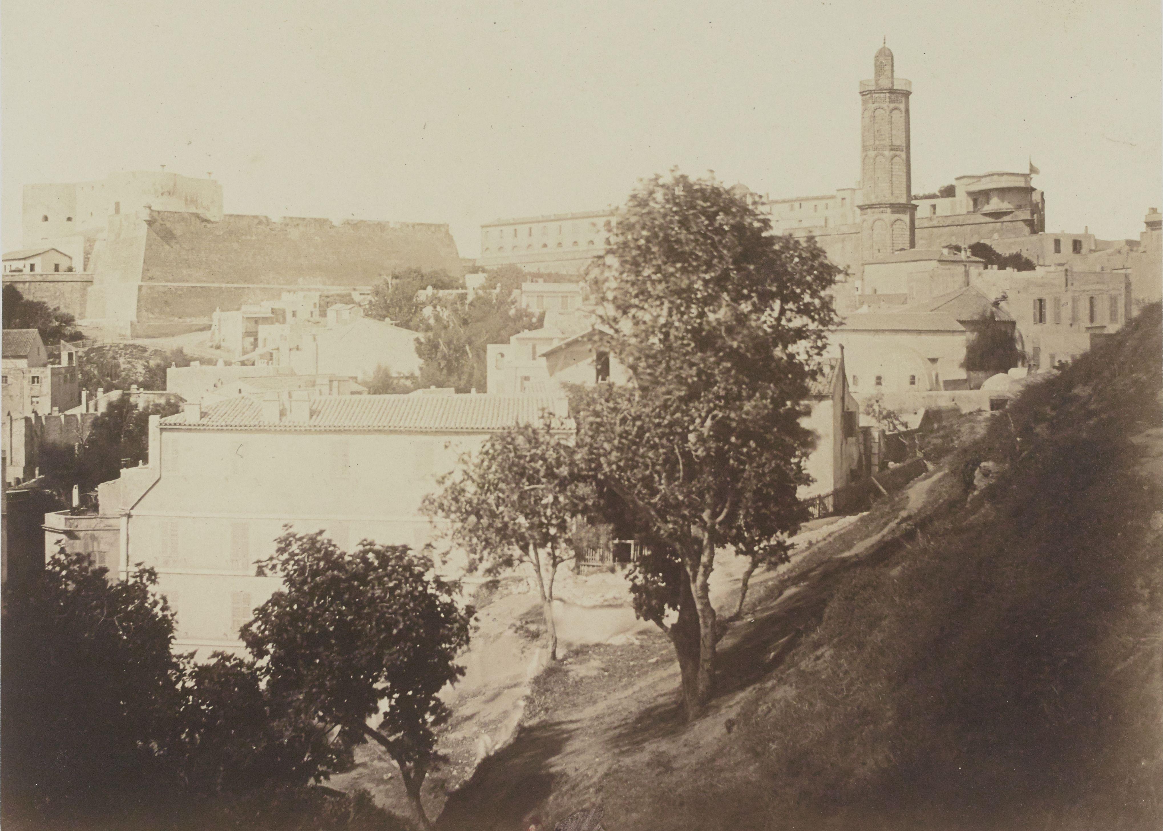 24. Мечеть Абд аль-Хамида Бен Бадиса или Великая мечеть и Новый замок (Оран)