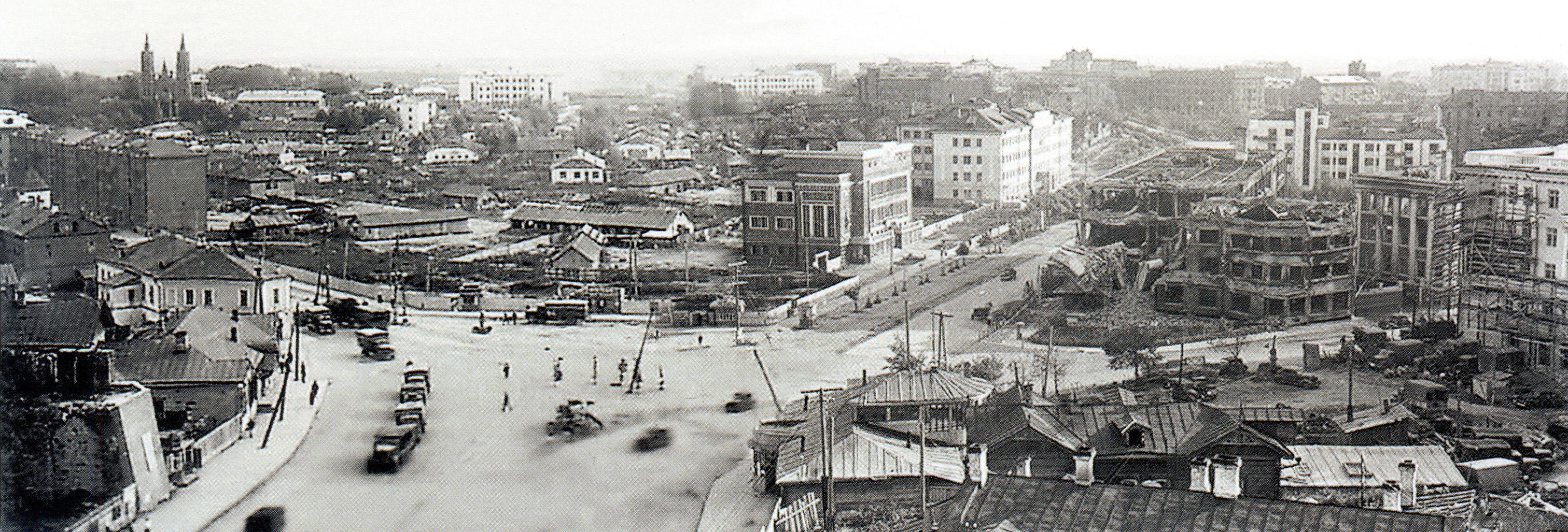 1941.  Вид из гостиницы Смоленск на площадь Смирнова